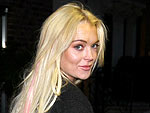Lindsay Lohan Kisses Her Waitress