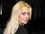 Lindsay Lohan Kisses Her Waitress