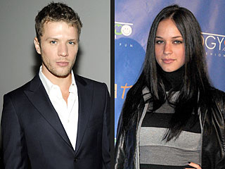 http://img2.timeinc.net/people/i/2011/news/110328/ryan-phillippe-320.jpg