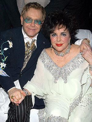 Elton John Pays Tribute to Elizabeth Taylor