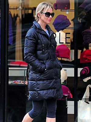 Ren&#233;e Zellweger Steps Out After Split with Bradley Cooper | Renee Zellweger