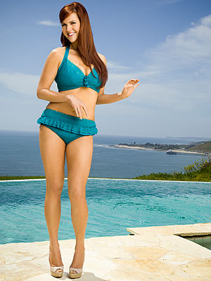 PHOTO: Sara Rue Wears a Bikini for First Time Ever!