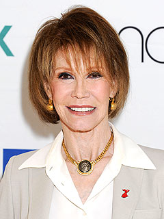 Mary Tyler Moore 'Recovering Nicely' from Head Surgery