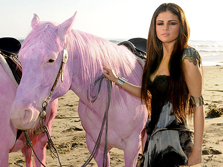 Selena Gomez Concert Schedule 2011 on Selena Gomez 440 Jpg