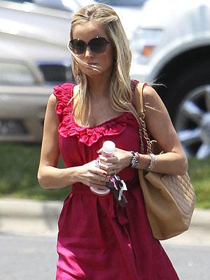 Emily Maynard Not Wearing Brad Womack Ring