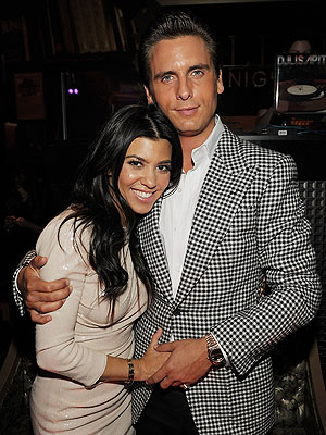 kourtney kardashian 300 Kourtney Kardashian Is Pregnant