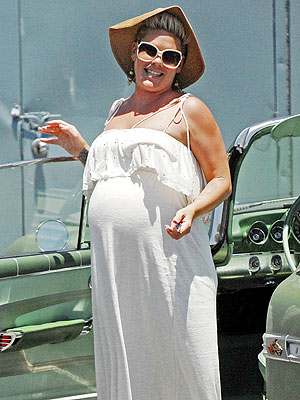 Pink Pregnant -- Did She Have Her Baby?