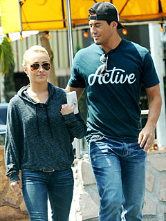 Hayden Panettiere Splits with Football Player Scotty McKnight
