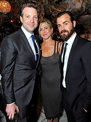 Jennifer Aniston Parties with New Man Justin Theroux
