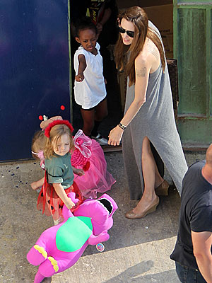 Angelina Jolie Takes the Kids Toy Shopping in Malta| Angelina Jolie, Brad Pitt, Maddox Jolie-Pitt, Pax Thien Jolie-Pitt, Shiloh Jolie-Pitt, Zahara Jolie-Pitt