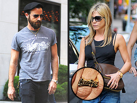 Jennifer Aniston, Justin Theroux Dating & Wearing Similar Rings