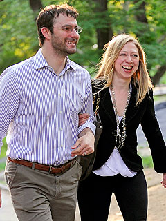 PHOTO: Chelsea Clinton, Marc Mezvinsky&#39;s Night Out in Central Park