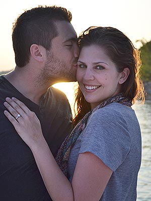 hillary scott 300 Lady Antebellums Hillary Scott Is Engaged