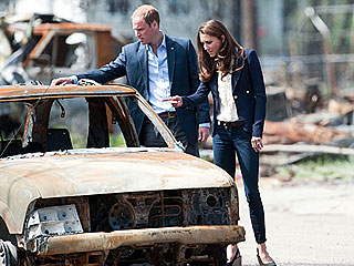 PHOTO: William and Kate Tour Fire-Ravaged Canadian Town | Kate Middleton, Prince William
