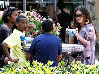 Khloé Kardashian Chills with Stepkids in Malibu| Khloe Kardashian, Lamar Odom