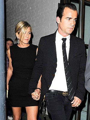 Jen & Justin Love Timeline: From Costars to Engaged in 15 Months! | Jennifer Aniston, Justin Theroux
