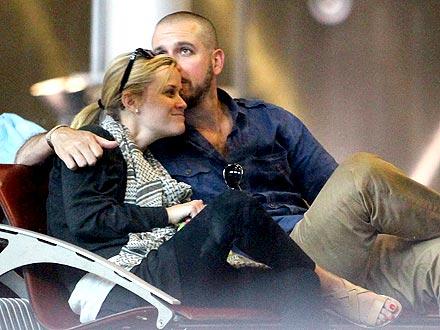 Reese Witherspoon & Jim Toth Honeymoon in Paris