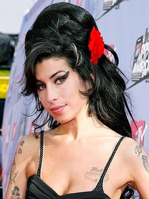 Grammy Winner Amy Winehouse Dies | Amy Winehouse