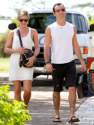 Jennifer Aniston & Justin Theroux's Romantic Hawaiian Getaway | Jennifer Aniston, Justin Theroux