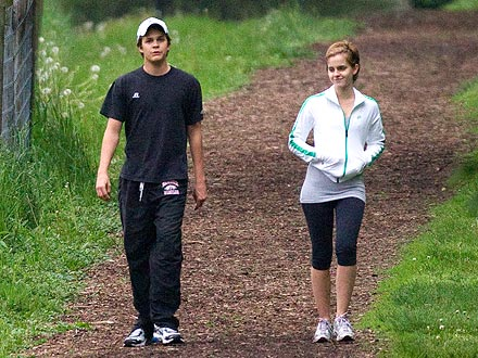 Emma Watson, Johnny Simmons Dating?
