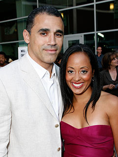 http://img2.timeinc.net/people/i/2011/news/110822/essence-atkins-240.jpg