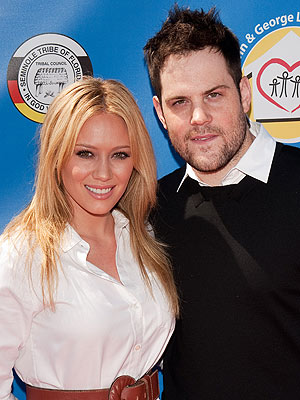 Mike, Comrie, Hilary Duff Expecting