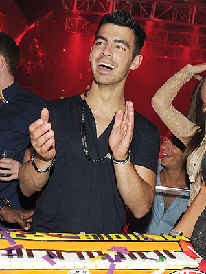Joe Jonas Gets Swarmed by Female Fans at Vegas Birthday Bash | Joe Jonas