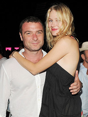 Couples Watch: Naomi & Liev's Hamptons Date Night | Liev Schreiber, Naomi Watts