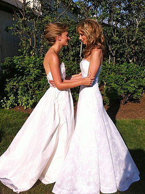 PHOTO: See Chely Wright's Wedding Dress | Chely Wright