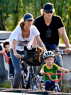 Tom & Gisele Bike in Boston with Their Boys | Gisele Bundchen, Tom Brady