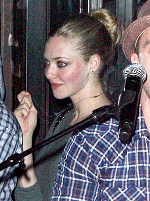 Justin Timberlake's Surprise Free Show in N.Y.C. Draws Stars| Amanda Seyfried, Justin Timberlake, Kim Kardashian