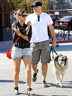 Jake Gyllenhaal & Rashida Jones Lunch with Friends in L.A. | Jake Gyllenhaal, Rashida Jones