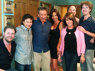 NEW PHOTO: Jonathan Taylor Thomas Reunites with Home Improvement Cast | Jonathan Taylor Thomas, Patricia Richardson, Tim Allen