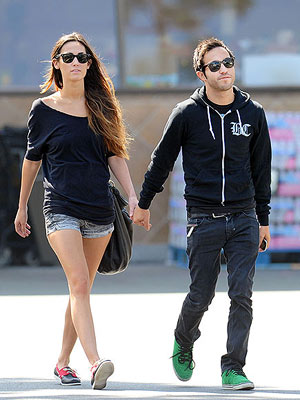 Pete Wentz Rocks Out with His Girlfriend