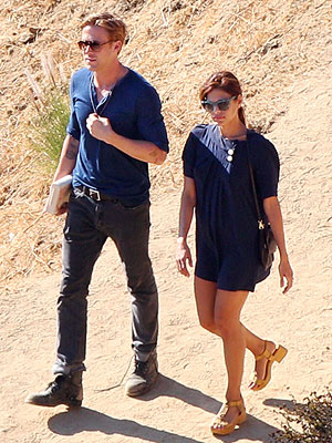 PHOTO: Ryan Gosling & Eva Mendes Hike Together in L.A. | Eva Mendes, Ryan Gosling