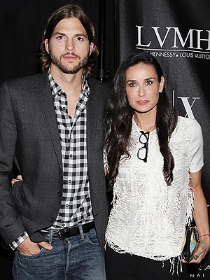 Demi Moore, Ashton Kutcher Still Wearing Their Rings