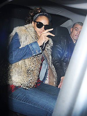 Rihanna Eats at McDonald's After London Show | Rihanna