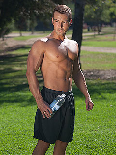 Whoa! Joey Lawrence Is Shirtless and Absolutely Ripped   Joey Lawrence