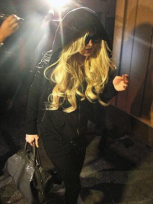 Lindsay Lohan: Morgue Duty Begins