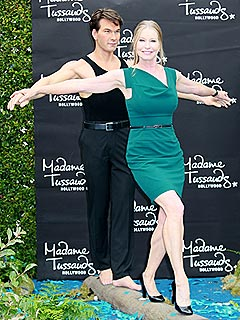 Patrick Swayze&#39;s Widow Strikes Dirty Dancing Pose with His Wax Statue | Patrick Swayze