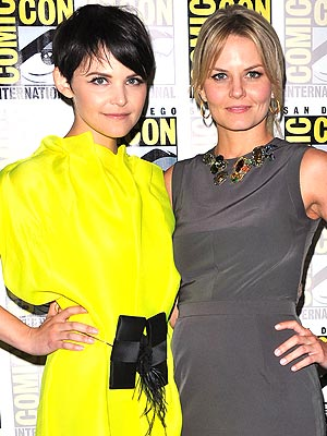 Once Upon a Time&#39;s Ginnifer Goodwin and Jennifer Morrison