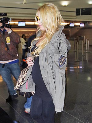Jessica Simpson: Is She or Isn't She Pregnant? | Jessica Simpson
