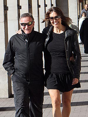 Robin Williams Honeymoons in Paris| Couples, Weddings, Robin Williams