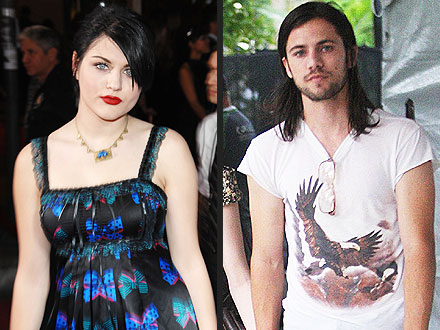Five Things to Know About Frances Bean's Love | Frances Bean Cobain