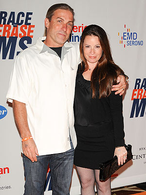Holly Marie Combs Files for Divorce