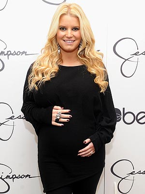 http://img2.timeinc.net/people/i/2011/news/111121/jessica-simpson-300.jpg