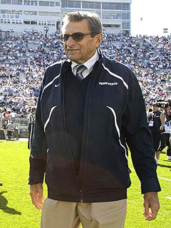 Joe Paterno Dies; 'He Fought Hard Until the End,' Says Family