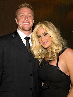 Kim Zolciak Gets Her Own Wedding-Themed Reality Show | Kim Zolciak