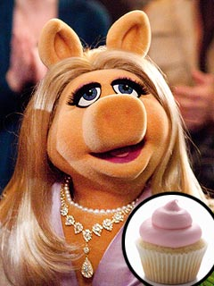 How Miss Piggy Keeps the Paparazzi at Bay