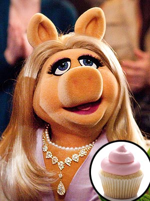 Miss Piggy Keeps Paparazzi at Bay by Tossing Cupcakes